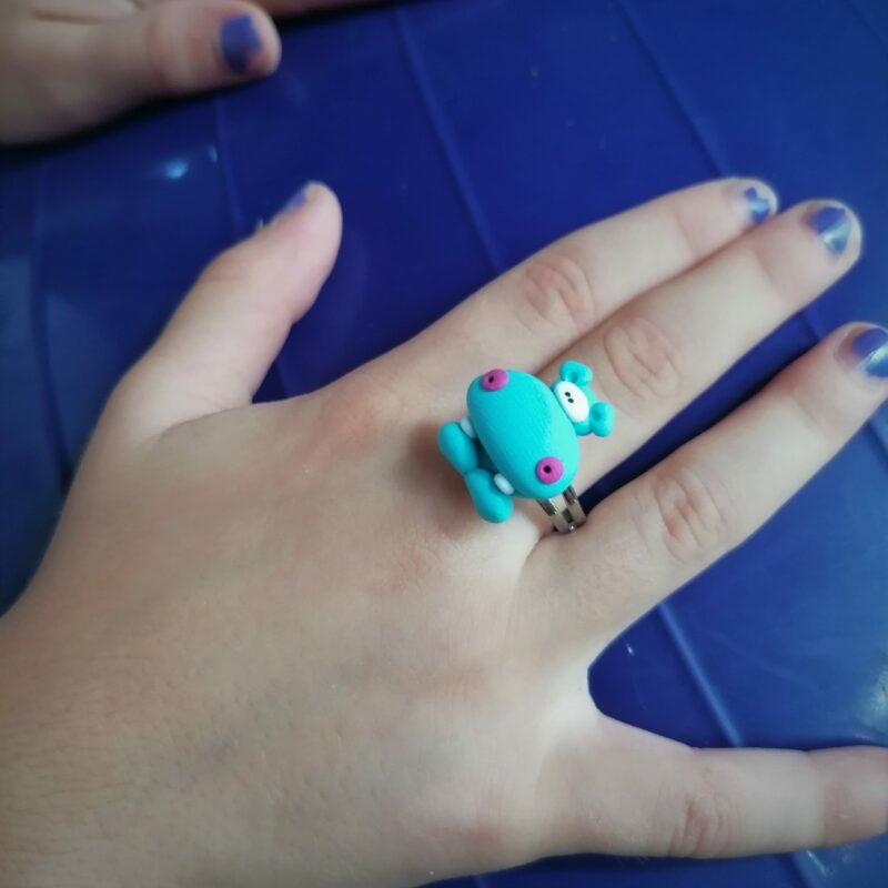 hippo ring scaled