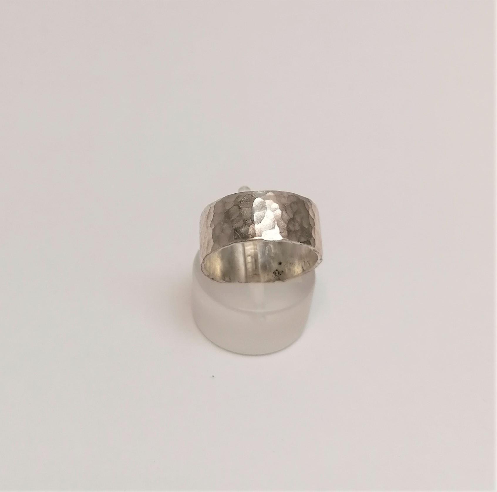silverhammeredbandring1