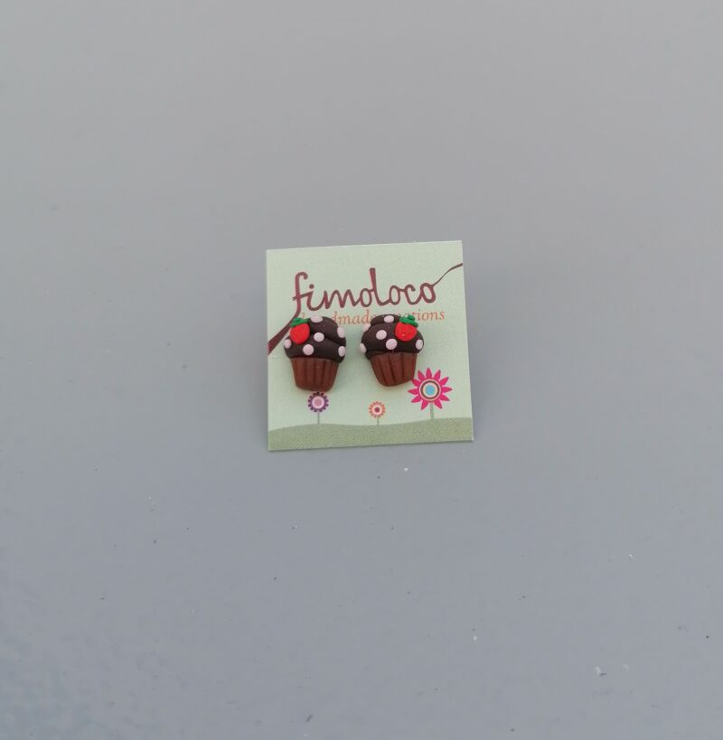 swlobeearcupcakechokostrawberries1 1