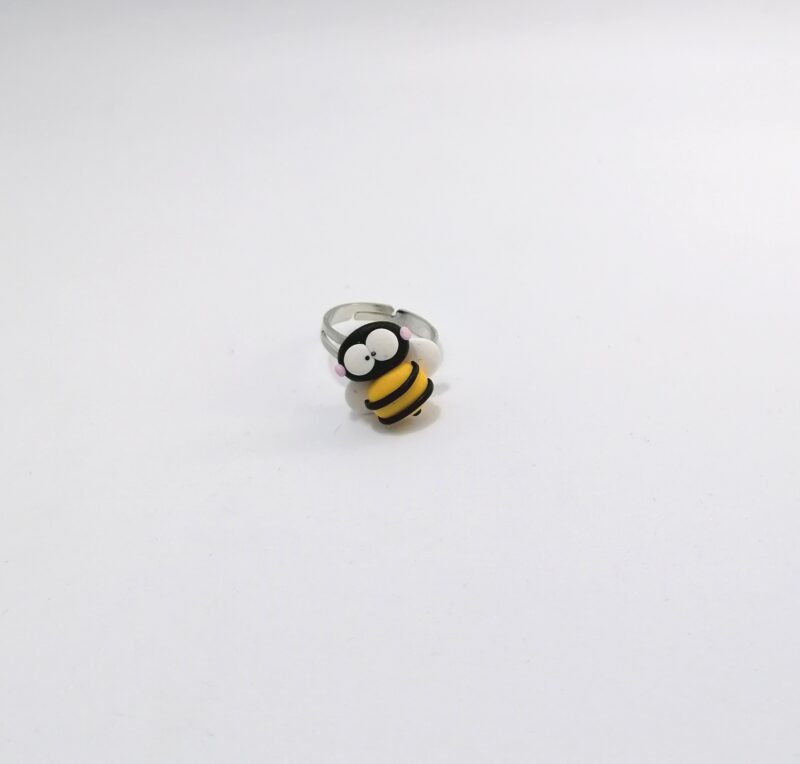 zoo anel bee